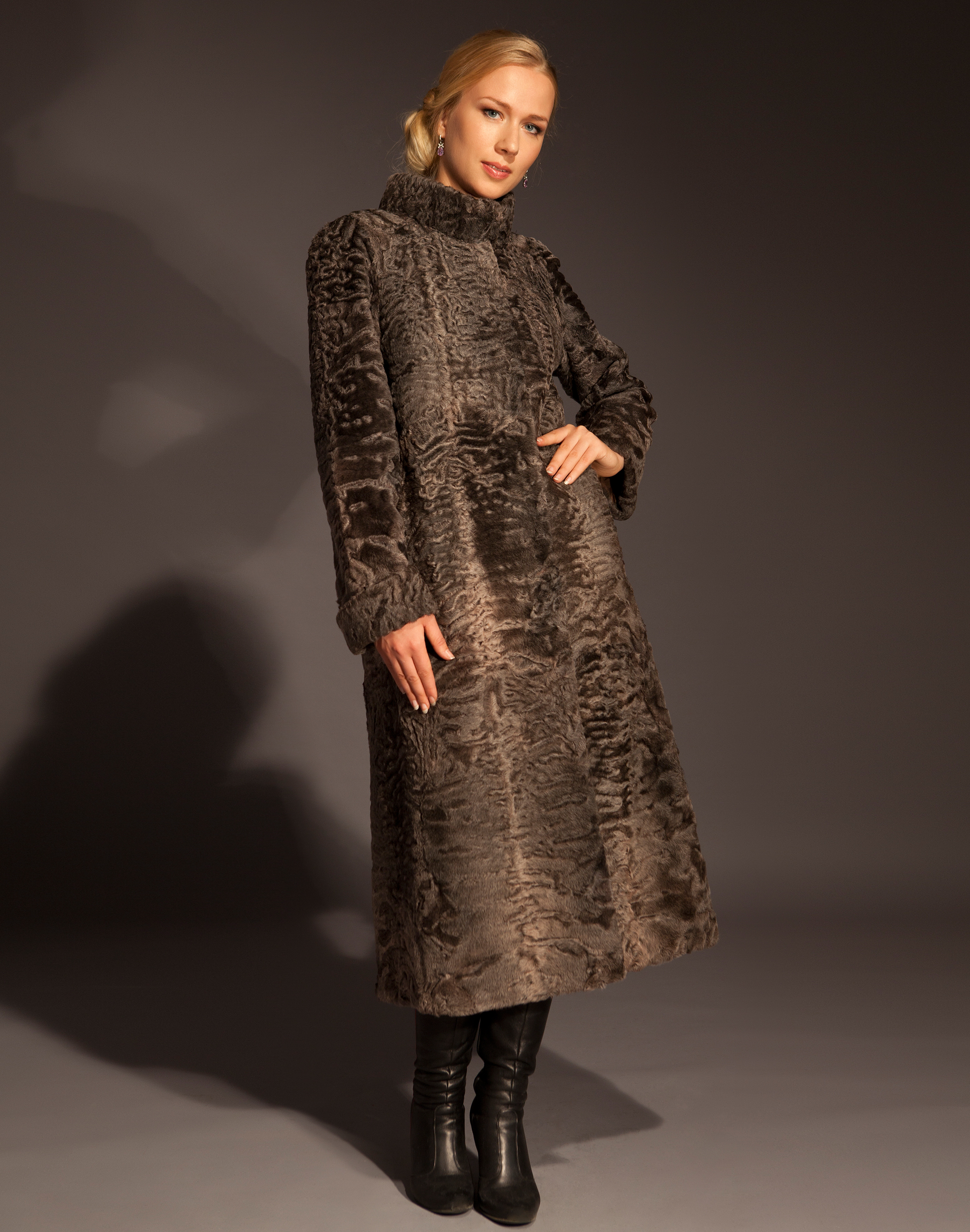 http://www.elinafurs.ru/fur_collection/DSC_777_1_a.jpg